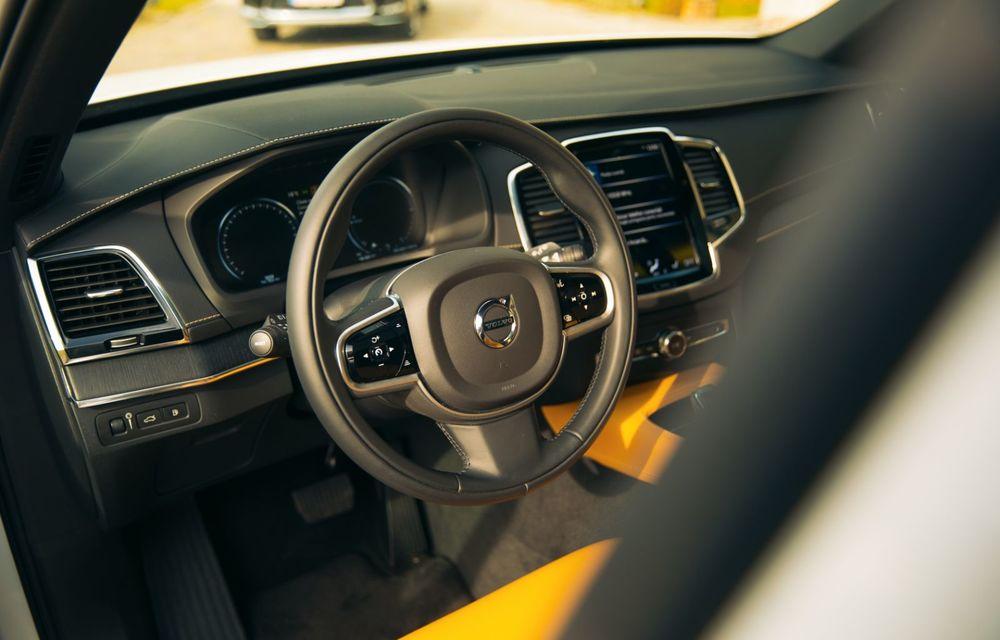 """PORTRET: Volvo XC90 T8 Plug-in hibrid după 2000 de kilometri: """"Luxul suedez este impresionant fără să devină apăsător, fără senzații de exces"""" - Poza 27"""