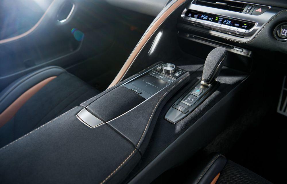 Lexus lansează ediția specială LC Coupe Aviation: 70 de unități disponibile exclusiv pentru piața din Japonia - Poza 15