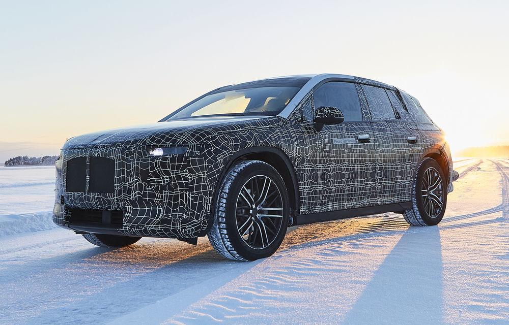 Versiunea de serie a lui BMW iNext va fi prezentată în 11 noiembrie: germanii vor dezvălui doar designul SUV-ului electric - Poza 1