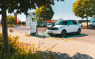 """Honda va cumpăra """"credite de emisii"""" de la Tesla: succesul limitat al modelului electric Honda e forțează japonezii la un acord cu americanii"""