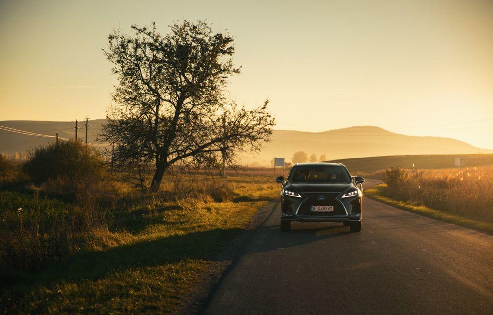 """PORTRET: Lexus RX 450h după 2000 de kilometri: """"RX 450h este despre confort, serenitate și atenție la detalii, nicidecum despre adrenalină și sportivitate"""" - Poza 14"""