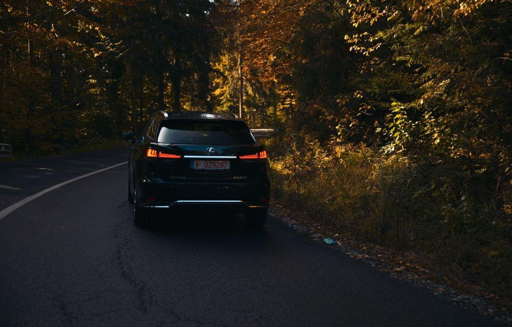 """PORTRET: Lexus RX 450h după 2000 de kilometri: """"RX 450h este despre confort, serenitate și atenție la detalii, nicidecum despre adrenalină și sportivitate"""" - Poza 29"""