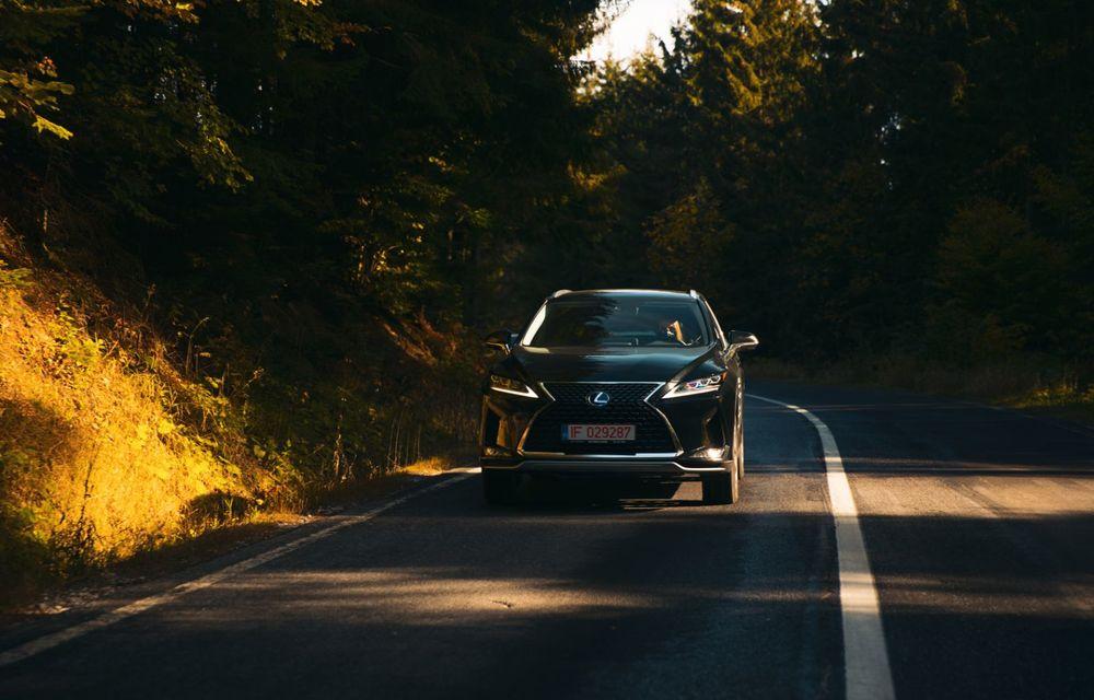 """PORTRET: Lexus RX 450h după 2000 de kilometri: """"RX 450h este despre confort, serenitate și atenție la detalii, nicidecum despre adrenalină și sportivitate"""" - Poza 21"""