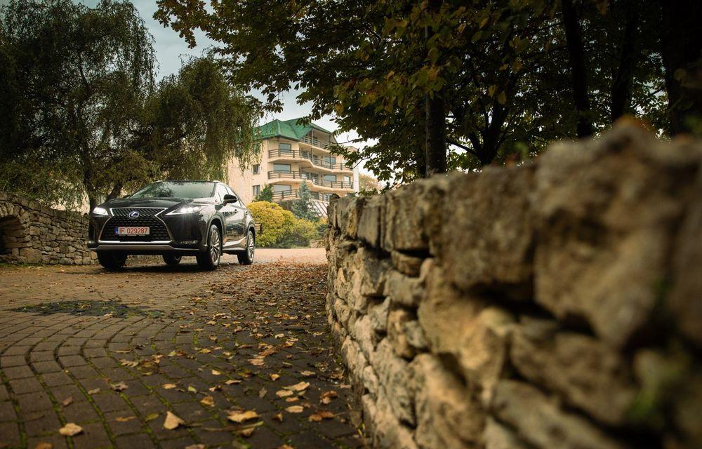 """PORTRET: Lexus RX 450h după 2000 de kilometri: """"RX 450h este despre confort, serenitate și atenție la detalii, nicidecum despre adrenalină și sportivitate"""" - Poza 37"""