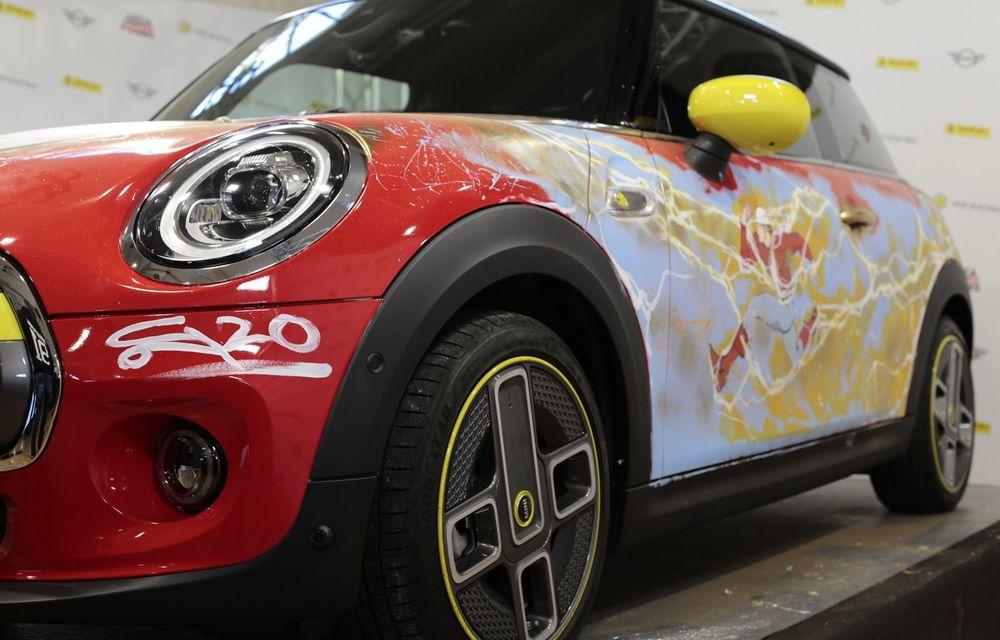 Art Car dezvoltat pe baza actualului Mini electric: modelul britanic îmbracă hainele supereroului The Flash - Poza 20
