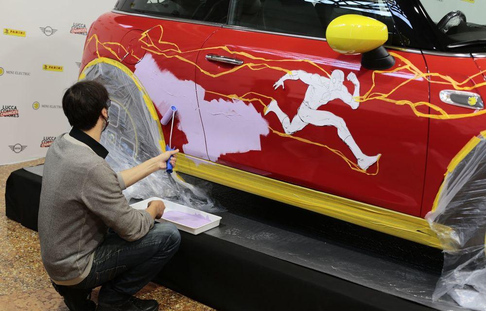 Art Car dezvoltat pe baza actualului Mini electric: modelul britanic îmbracă hainele supereroului The Flash - Poza 3