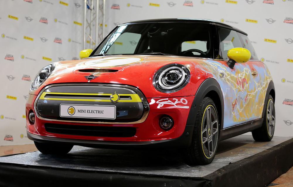 Art Car dezvoltat pe baza actualului Mini electric: modelul britanic îmbracă hainele supereroului The Flash - Poza 1
