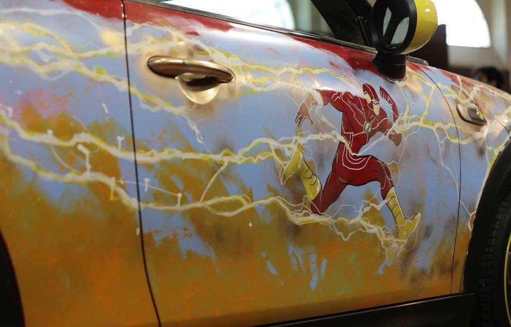 Art Car dezvoltat pe baza actualului Mini electric: modelul britanic îmbracă hainele supereroului The Flash - Poza 18