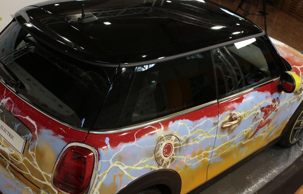 Art Car dezvoltat pe baza actualului Mini electric: modelul britanic îmbracă hainele supereroului The Flash - Poza 30
