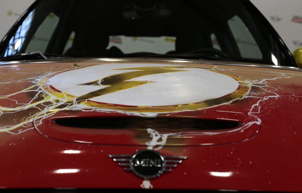 Art Car dezvoltat pe baza actualului Mini electric: modelul britanic îmbracă hainele supereroului The Flash - Poza 25