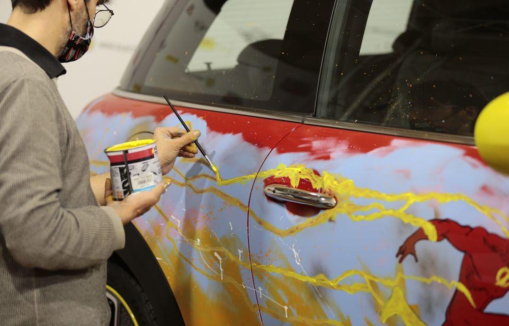 Art Car dezvoltat pe baza actualului Mini electric: modelul britanic îmbracă hainele supereroului The Flash - Poza 14