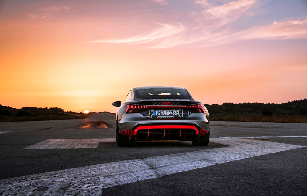 Imagini și informații noi referitoare la viitorul Audi RS e-tron GT: două motoare electrice cu până la 655 CP și autonomie estimată de 400 de kilometri - Poza 14