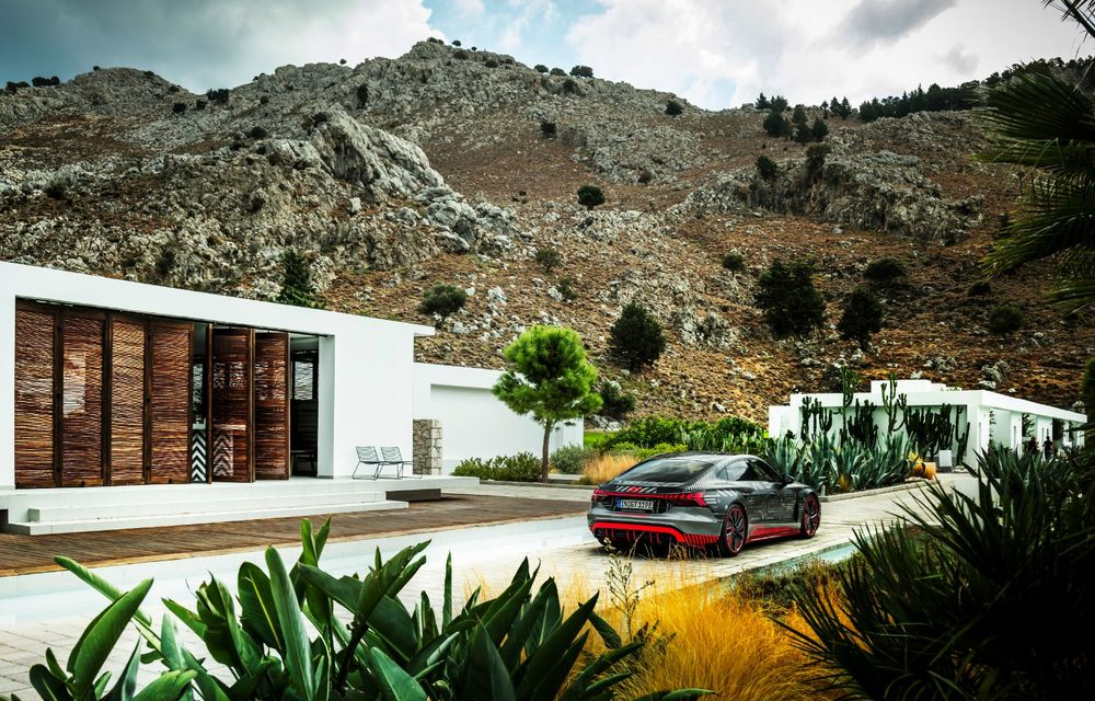 Imagini și informații noi referitoare la viitorul Audi RS e-tron GT: două motoare electrice cu până la 655 CP și autonomie estimată de 400 de kilometri - Poza 44