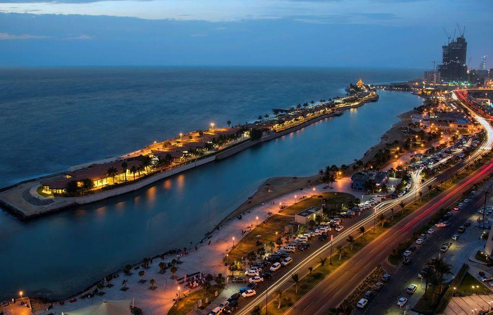 Arabia Saudită va găzdui curse de Formula 1 în nocturnă din sezonul 2021: circuit stradal la malul Mării Roșii - Poza 1