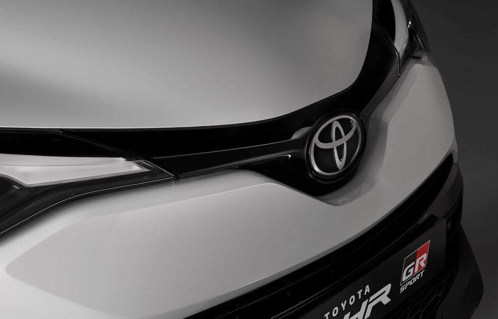 Versiunea Toyota C-HR GR Sport este disponibilă și în Europa: niponii condimentează SUV-ul cu accesorii sport - Poza 11