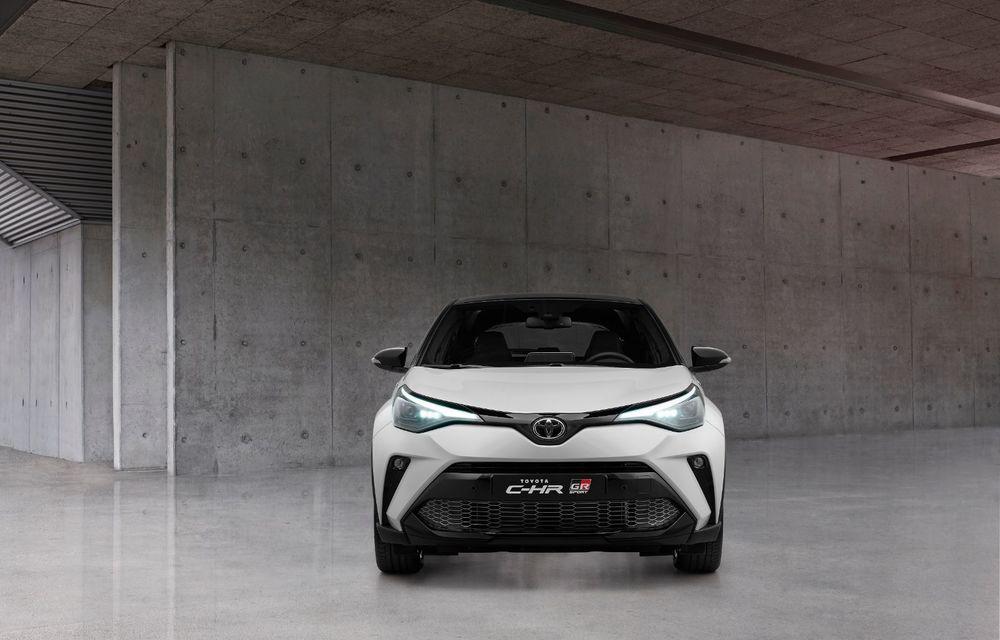 Versiunea Toyota C-HR GR Sport este disponibilă și în Europa: niponii condimentează SUV-ul cu accesorii sport - Poza 7