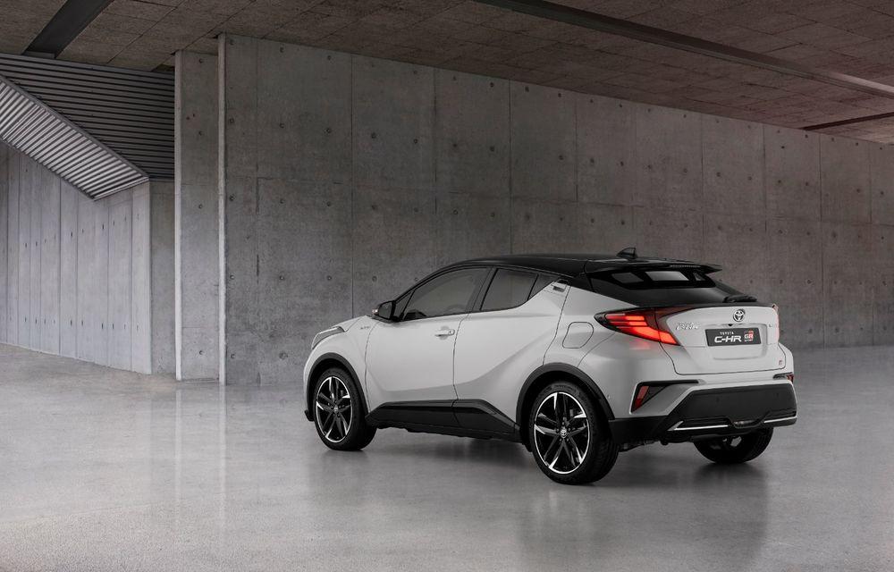 Versiunea Toyota C-HR GR Sport este disponibilă și în Europa: niponii condimentează SUV-ul cu accesorii sport - Poza 3