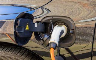 Vânzările europene de mașini electrice și hibride au crescut cu 128% în trimestrul al treilea: europenii au cumpărat 54% din totalul global de unități vândute