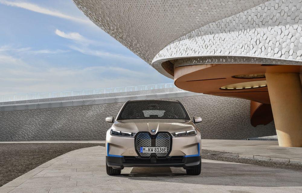 BMW iX este SUV-ul electric derivat din conceptul futurist iNext: peste 500 CP și autonomie mai mare de 600 de kilometri - Poza 2