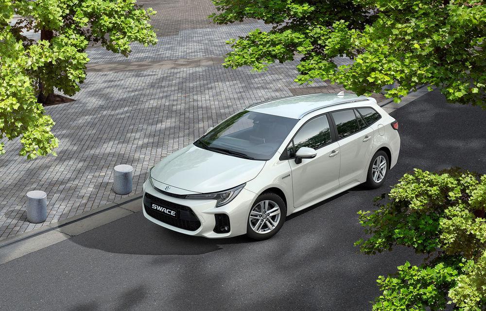 Suzuki lansează break-ul compact Swace: modelul are la bază actuala generație Toyota Corolla Touring Sports și poate fi comandat în Marea Britanie - Poza 2