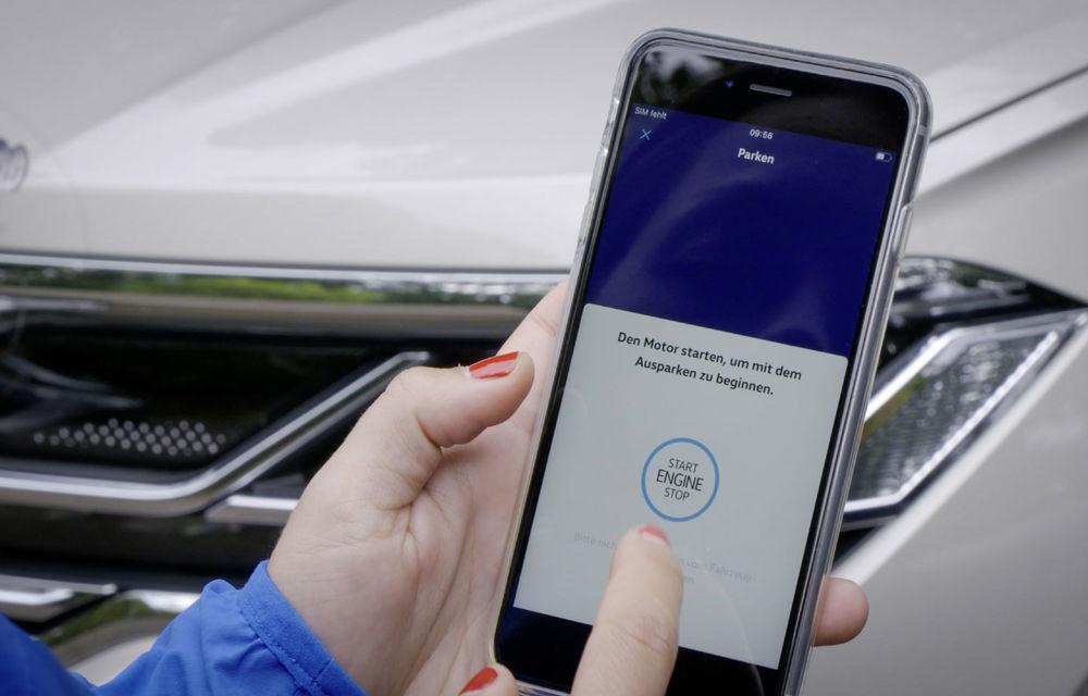 Volkswagen introduce parcarea autonomă pentru Touareg: funcția, disponibilă printr-o aplicație de smartphone - Poza 4
