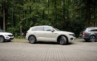 Volkswagen introduce parcarea autonomă pentru Touareg: funcția, disponibilă printr-o aplicație de smartphone