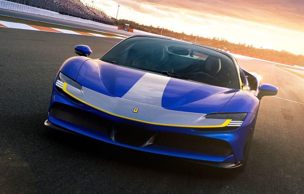 Ferrari a prezentat noul SF90 Spider: plafon hard top care poate fi coborât în 14 secunde și sistem plug-in hybrid de propulsie cu 1.000 CP - Poza 6