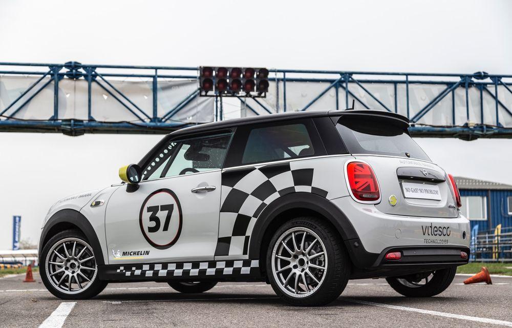 Întâlnire pe circuit cu Mini Electric Racing: modelul de competiție este dezvoltat 100% în România - Poza 31