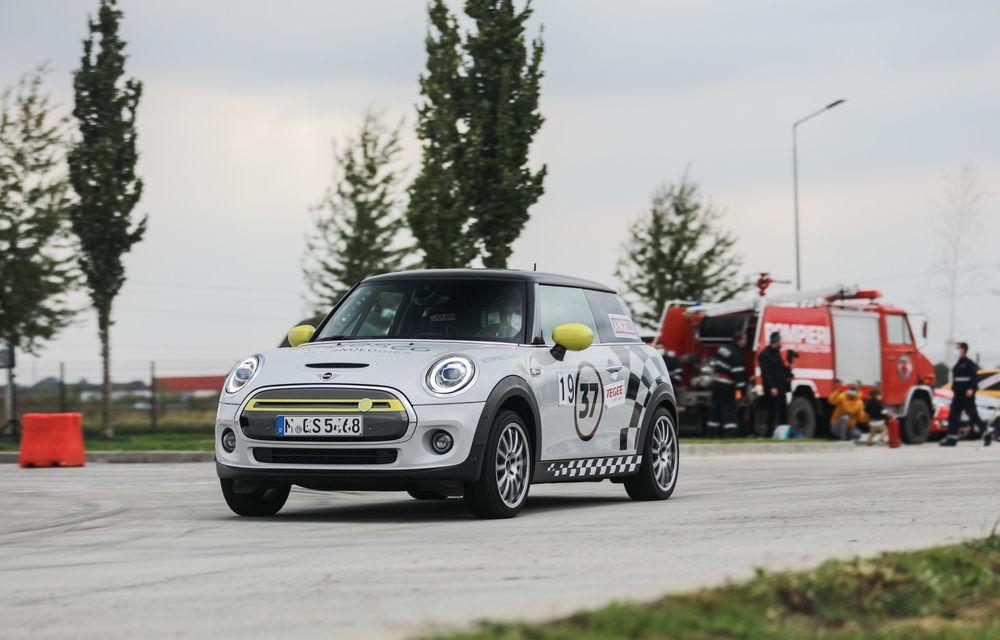 Întâlnire pe circuit cu Mini Electric Racing: modelul de competiție este dezvoltat 100% în România - Poza 56