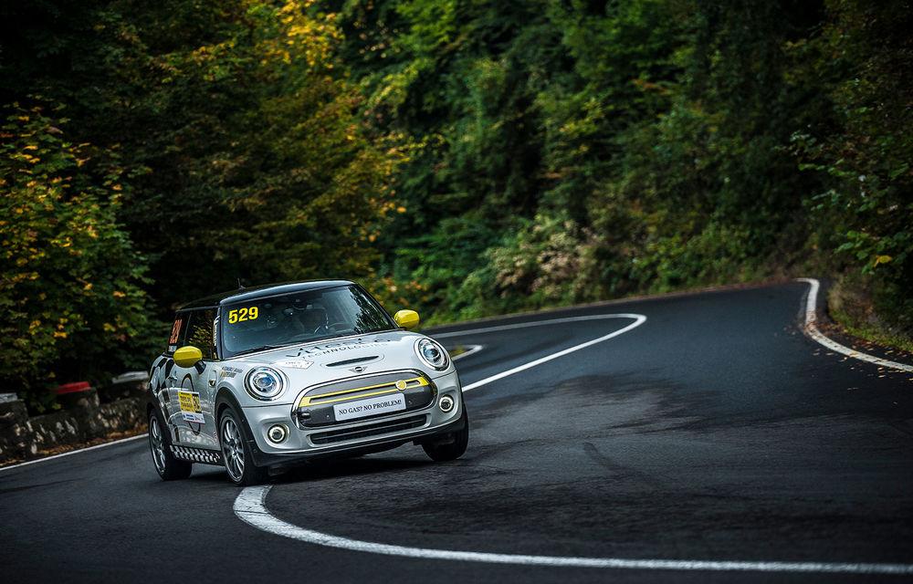 Întâlnire pe circuit cu Mini Electric Racing: modelul de competiție este dezvoltat 100% în România - Poza 52
