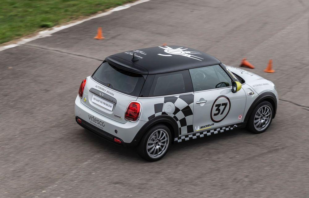 Întâlnire pe circuit cu Mini Electric Racing: modelul de competiție este dezvoltat 100% în România - Poza 22