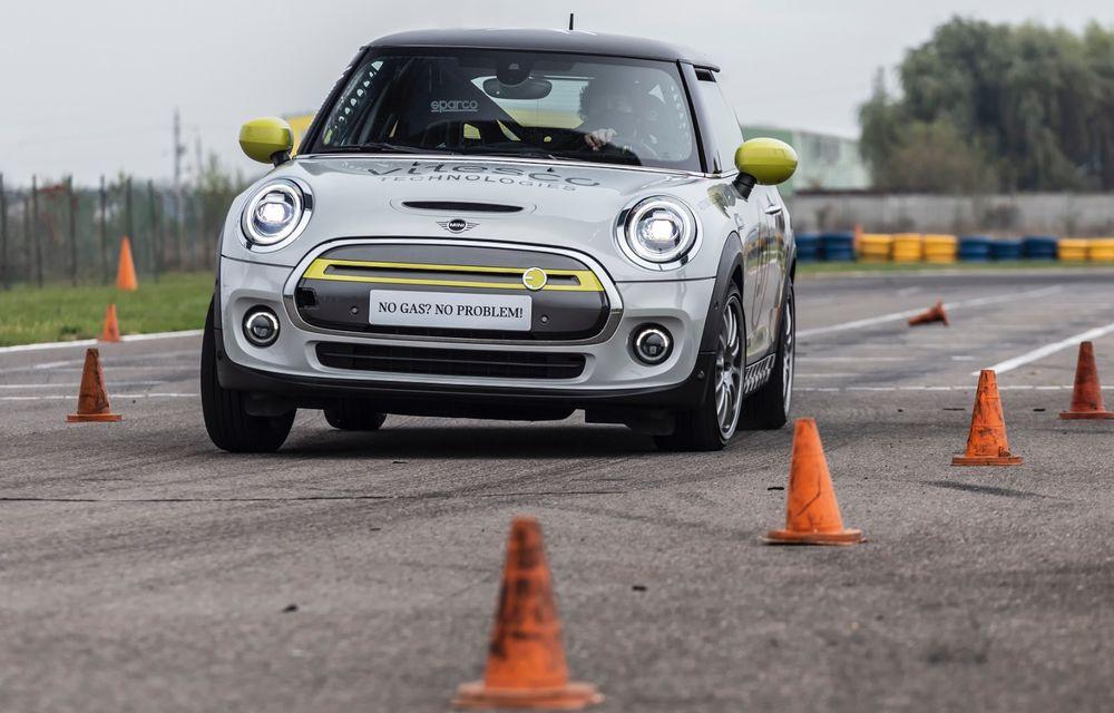 Întâlnire pe circuit cu Mini Electric Racing: modelul de competiție este dezvoltat 100% în România - Poza 29