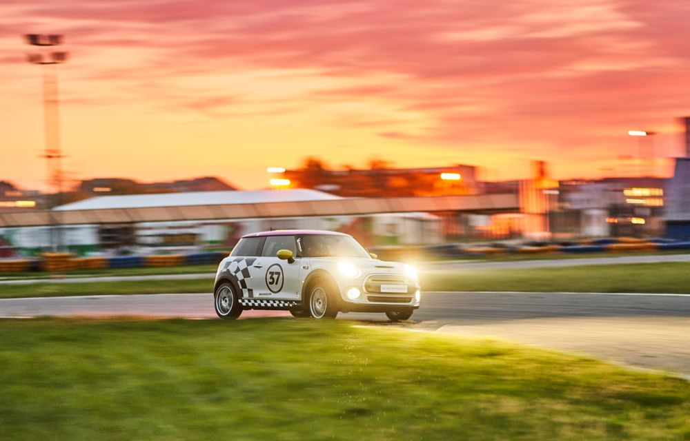 Întâlnire pe circuit cu Mini Electric Racing: modelul de competiție este dezvoltat 100% în România - Poza 9