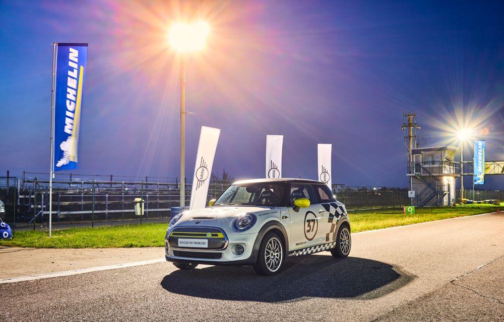 Întâlnire pe circuit cu Mini Electric Racing: modelul de competiție este dezvoltat 100% în România - Poza 13