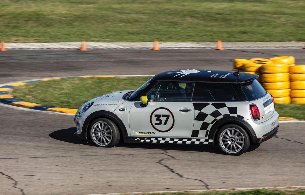 Întâlnire pe circuit cu Mini Electric Racing: modelul de competiție este dezvoltat 100% în România - Poza 35