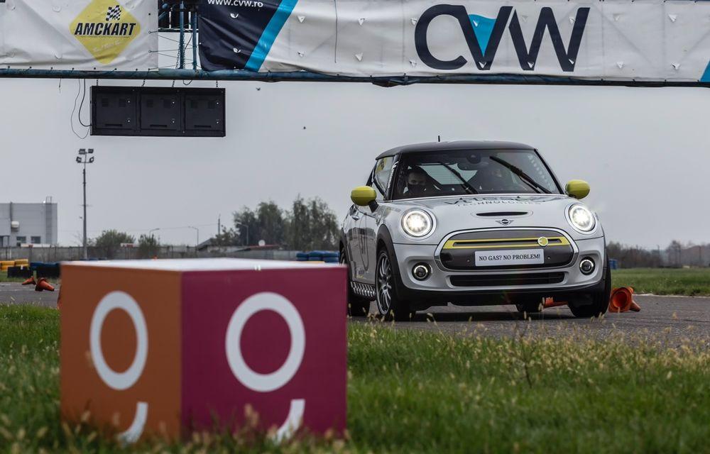 Întâlnire pe circuit cu Mini Electric Racing: modelul de competiție este dezvoltat 100% în România - Poza 28