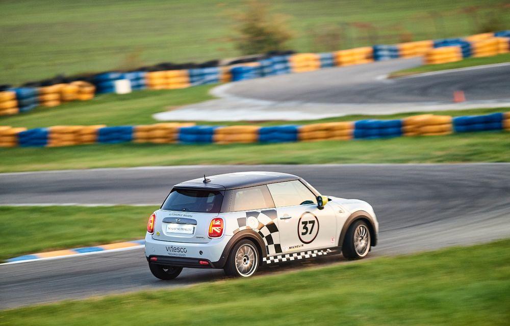 Întâlnire pe circuit cu Mini Electric Racing: modelul de competiție este dezvoltat 100% în România - Poza 21