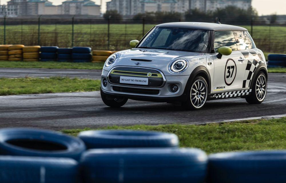 Întâlnire pe circuit cu Mini Electric Racing: modelul de competiție este dezvoltat 100% în România - Poza 32