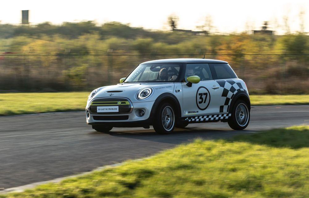 Întâlnire pe circuit cu Mini Electric Racing: modelul de competiție este dezvoltat 100% în România - Poza 39