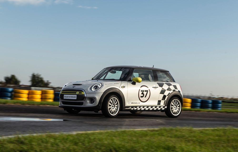 Întâlnire pe circuit cu Mini Electric Racing: modelul de competiție este dezvoltat 100% în România - Poza 33