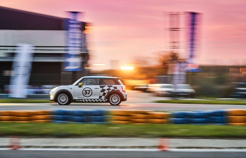 Întâlnire pe circuit cu Mini Electric Racing: modelul de competiție este dezvoltat 100% în România - Poza 8