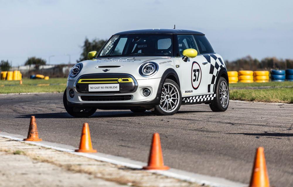 Întâlnire pe circuit cu Mini Electric Racing: modelul de competiție este dezvoltat 100% în România - Poza 34