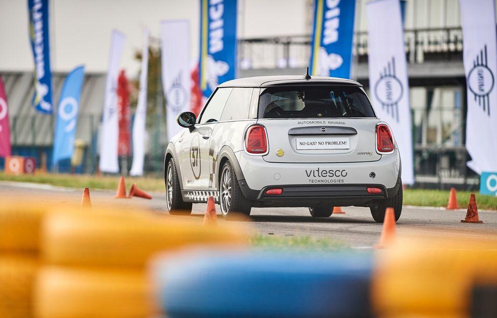 Întâlnire pe circuit cu Mini Electric Racing: modelul de competiție este dezvoltat 100% în România - Poza 16