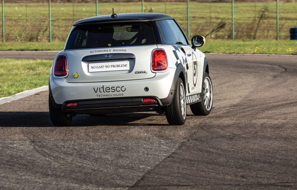 Întâlnire pe circuit cu Mini Electric Racing: modelul de competiție este dezvoltat 100% în România - Poza 38
