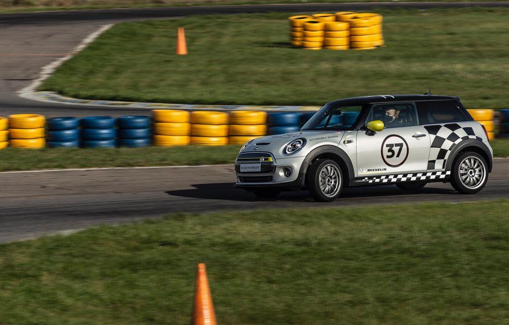 Întâlnire pe circuit cu Mini Electric Racing: modelul de competiție este dezvoltat 100% în România - Poza 46