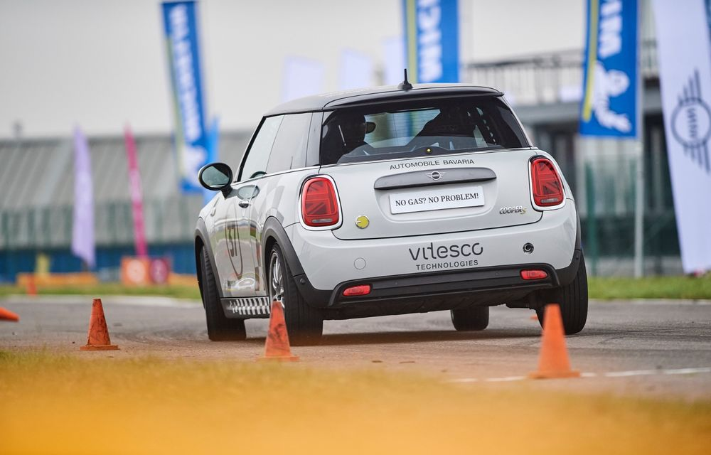 Întâlnire pe circuit cu Mini Electric Racing: modelul de competiție este dezvoltat 100% în România - Poza 14