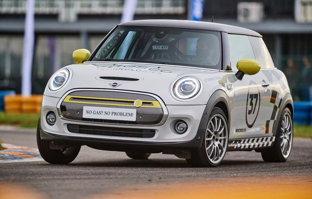 Întâlnire pe circuit cu Mini Electric Racing: modelul de competiție este dezvoltat 100% în România - Poza 7