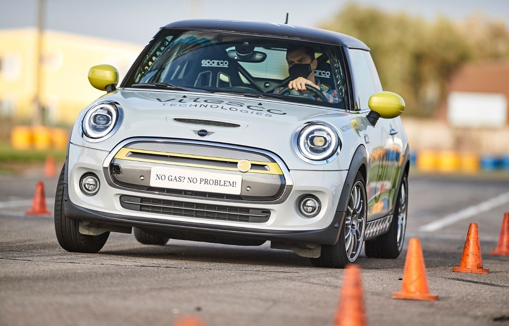 Întâlnire pe circuit cu Mini Electric Racing: modelul de competiție este dezvoltat 100% în România - Poza 17
