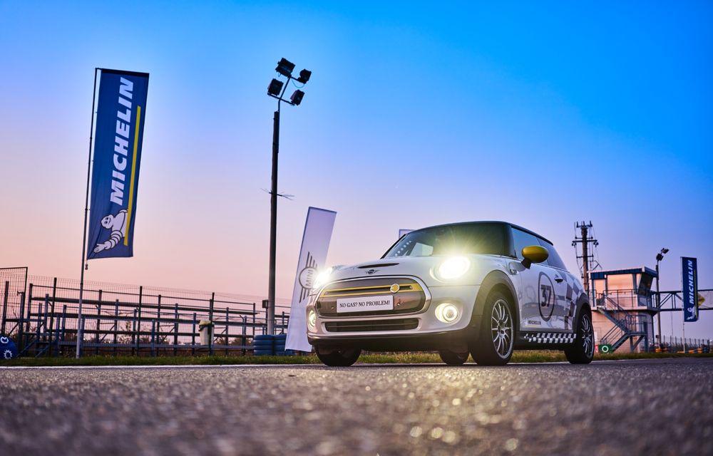 Întâlnire pe circuit cu Mini Electric Racing: modelul de competiție este dezvoltat 100% în România - Poza 12
