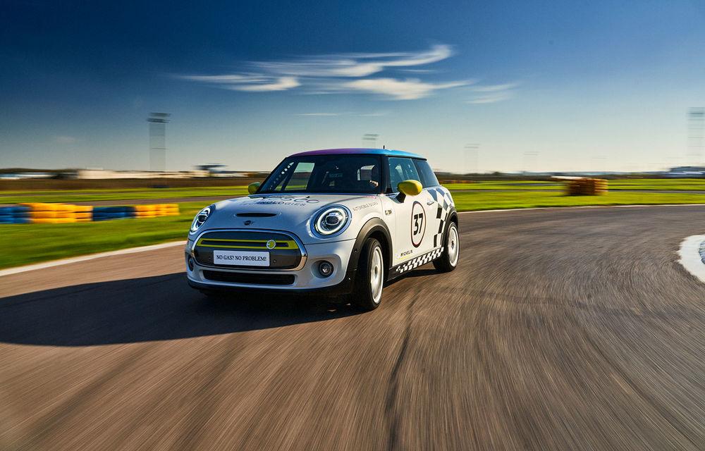Întâlnire pe circuit cu Mini Electric Racing: modelul de competiție este dezvoltat 100% în România - Poza 1